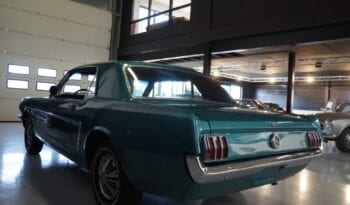 Ford Mustang V6 Coupe full