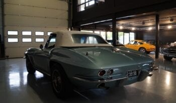 Chevrolet Corvette C2 Convertible full