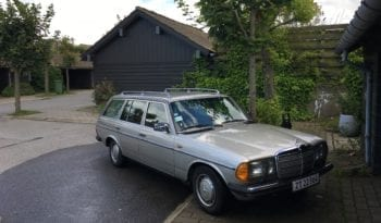 Mercedes-Benz 200-300 (W123) 230 TE full
