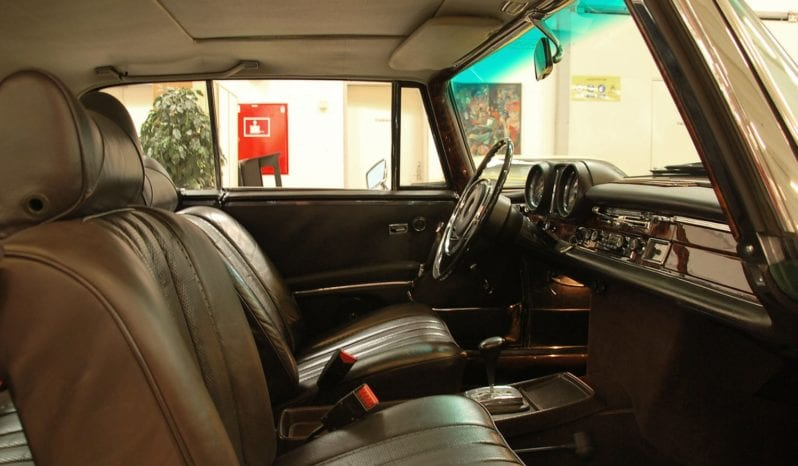 Mercedes-Benz 220-280 (W111) 280 SE 3,5 Coupe full