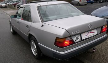 Mercedes-Benz E-Klasse (W124) 230 E full