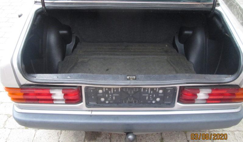 Mercedes-Benz 190 (W201) 190E 2.0 full