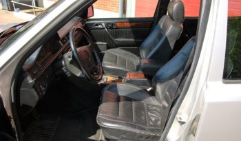 Mercedes-Benz E-Klasse (W124) 300TE 24V full