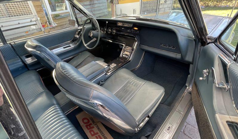 Ford Buisness Thunderbird full