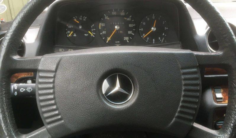 Mercedes-Benz 200-300 (W123) 230 full
